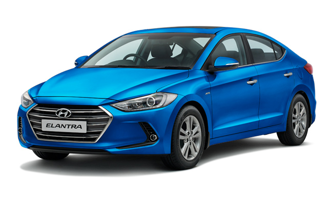 Hyundai Elantra In India Features Reviews