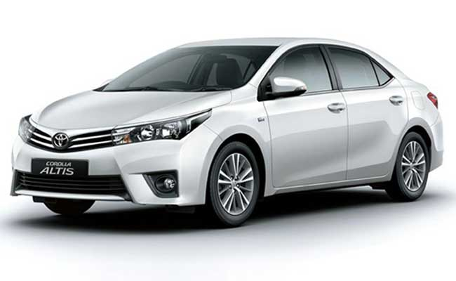 Toyota Corolla Altis In India Features Reviews
