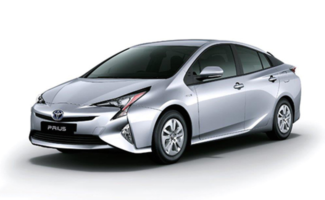 Toyota Prius In India Features Reviews Amp Specifications
