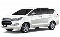 Toyota Innova Crysta 2.4 G MT pictures