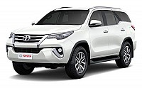 Toyota Fortuner 2.8 4x4 MT White Pearl Crystal Shine pictures