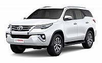 Toyota Fortuner 2.8 4x4 MT Super White pictures