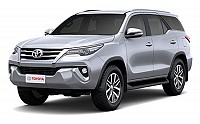 Toyota Fortuner 2.8 4x4 MT Silver Metallic pictures