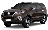 Toyota Fortuner 2.8 4x4 MT Phantom Brown pictures
