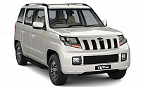 Mahindra TUV 300 T10 AMT pictures