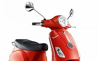 Vespa 125 Red pictures