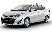 Toyota Yaris VX Pearl White pictures