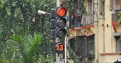 Intelligent Traffic Lights To Reduce Air Pollution And Traffic Jams