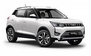Mahindra XUV300 W8 Option Dual Tone Diesel