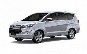 Toyota Innova Crysta 2.4 G Plus MT 8S
