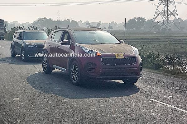 Kia Sportage SUV and Soul Crossover spotted in India