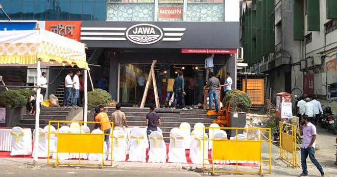 First Jawa Showrooms Open in Pune
