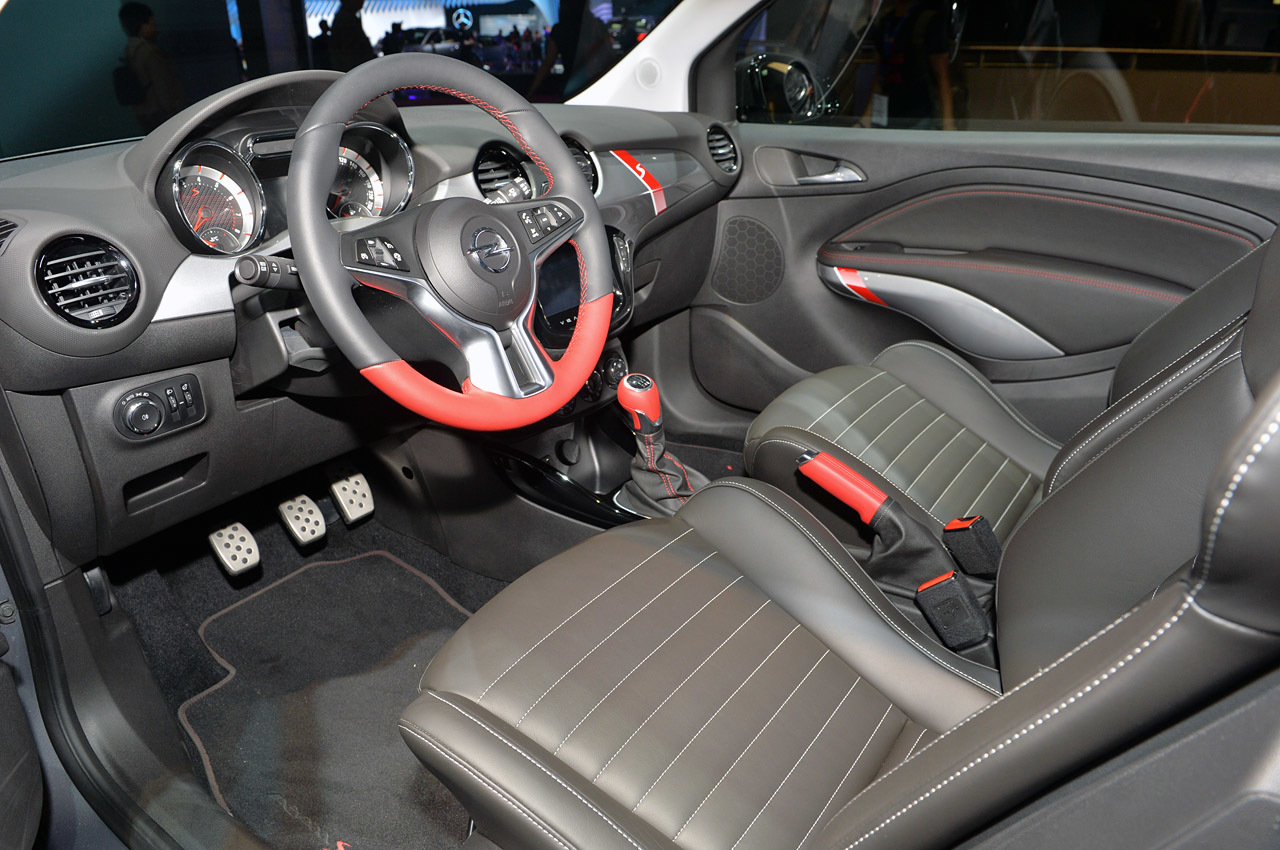 Opel adam s opened its cover at paris auto event for Opel adam s interieur