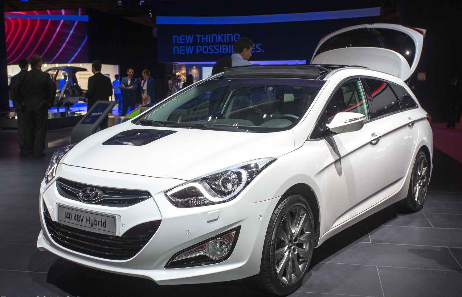 hyundai hybrid cars at paris motor show 2014. Black Bedroom Furniture Sets. Home Design Ideas