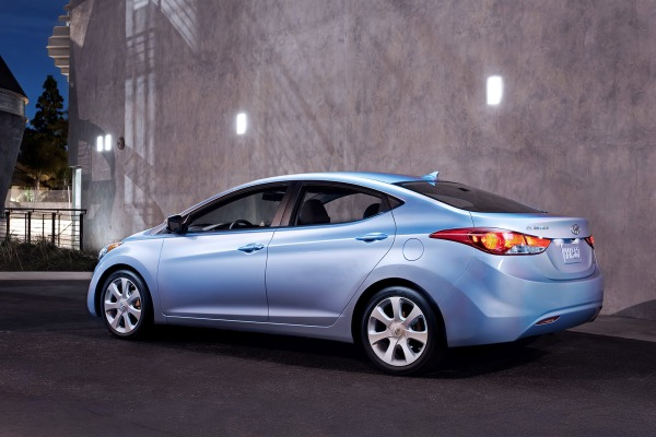 hyundai recalls 2013 elantra in the us over brake light issue. Black Bedroom Furniture Sets. Home Design Ideas