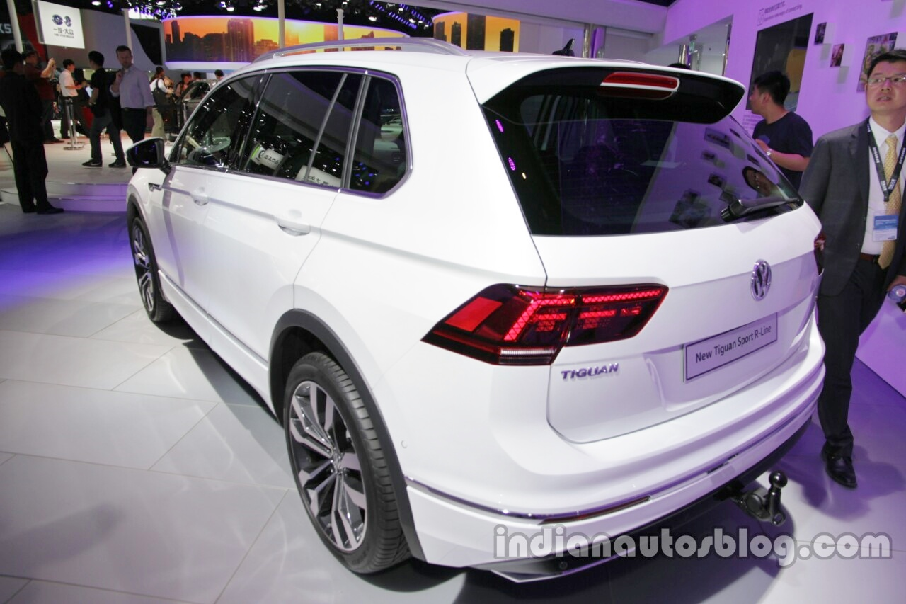 2016 Volkswagen Tiguan Sports R-Line at the Rear End