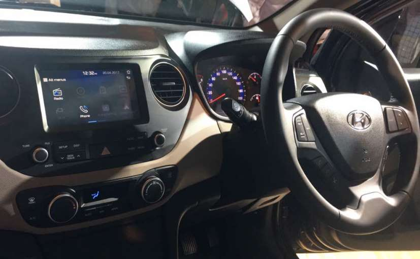 2017 Hyundai Xcent facelift Launched in India new infotainment display