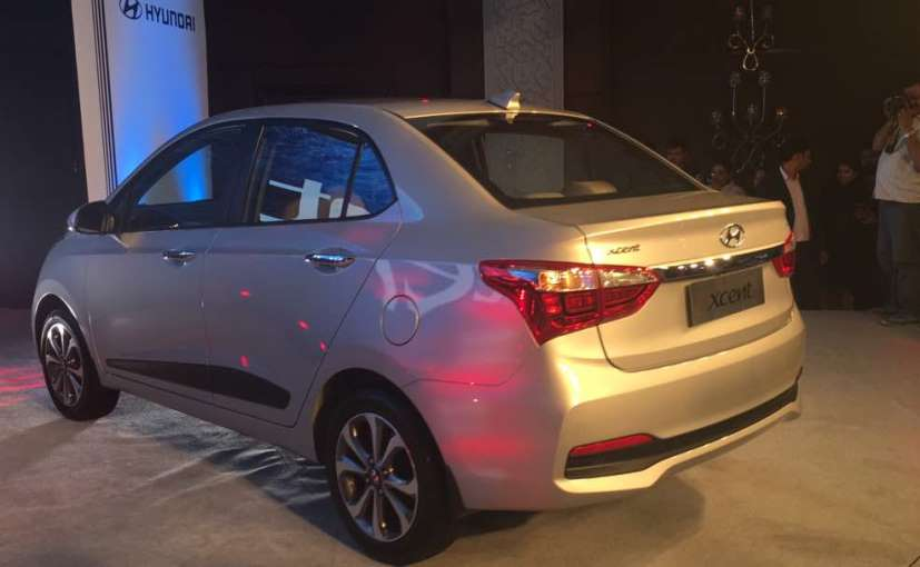 2017 Hyundai Xcent facelift Launched in India side rear profile