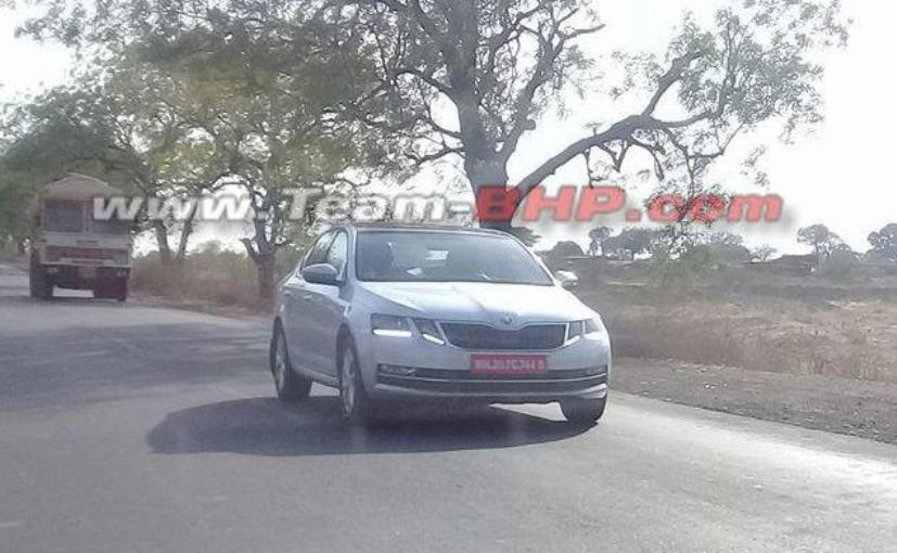 2017 Skoda Octavia Facelift Spied Image While Testing in India