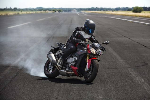 2017 BMW S1000R equips a lean-angle-senstive ABS, called ABS Pro