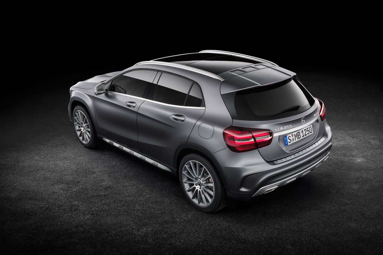 2017 Mercedes GLA Class Revealed at Detroit Auto Show Side Rear Profile