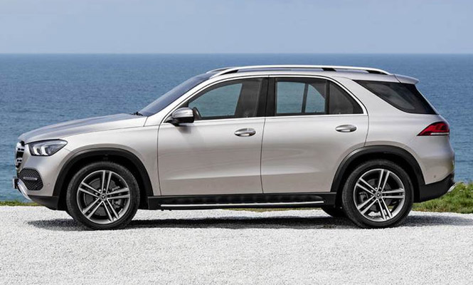 2019-Mercedes-Benz-GLE-side-view