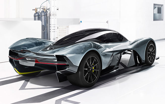 Aston Martin AM-RB 001 at stance