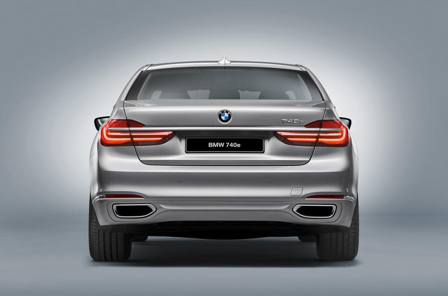 BMW 740e iPerformance Rear End