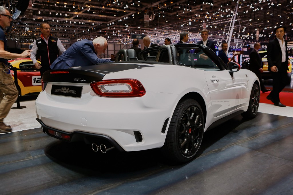 Fiat abrth 124 spider at the rear end