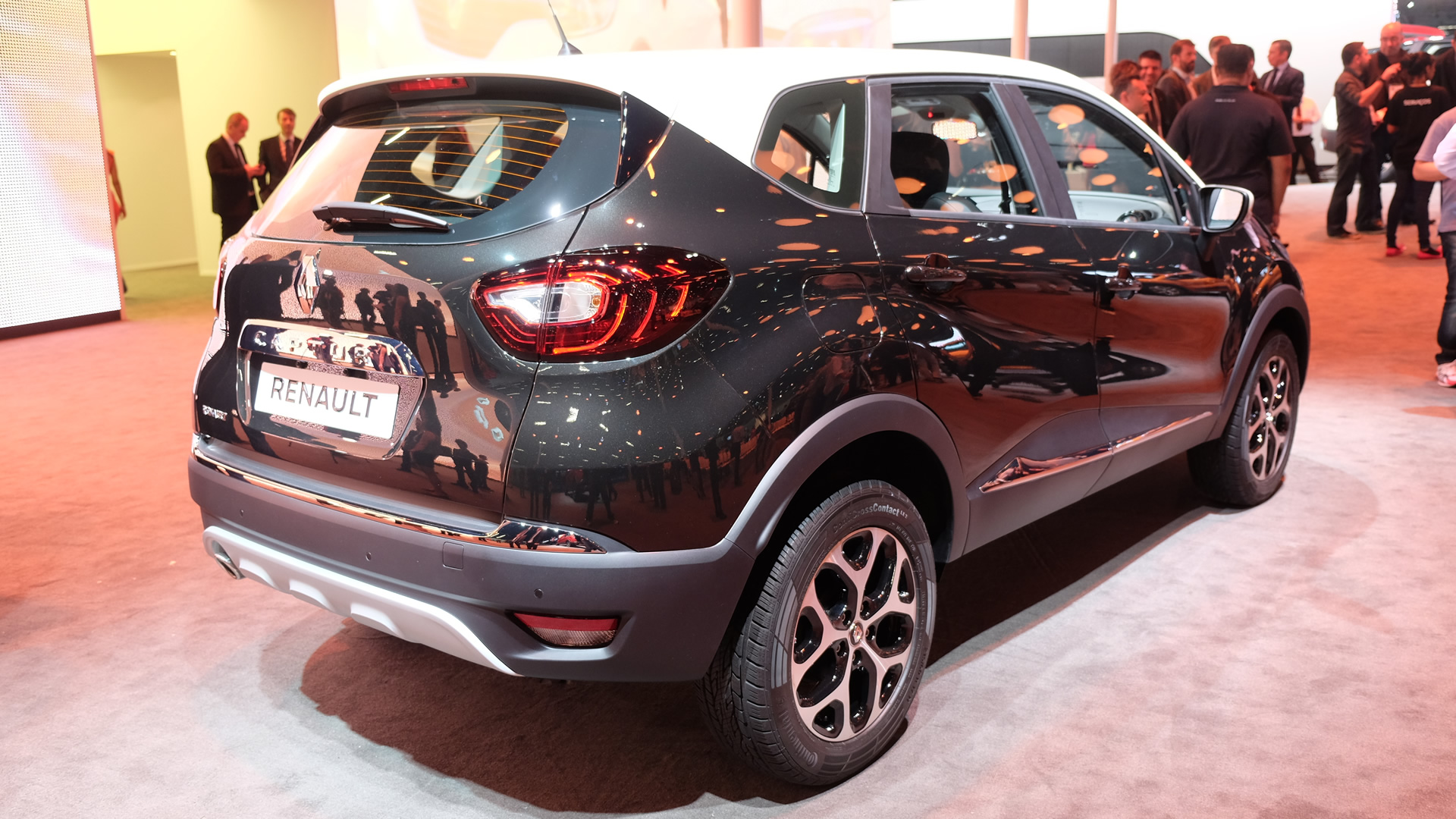 India-bound Renault Kaptur Side Rear Showcased at Sao Paulo Auto Show 2016