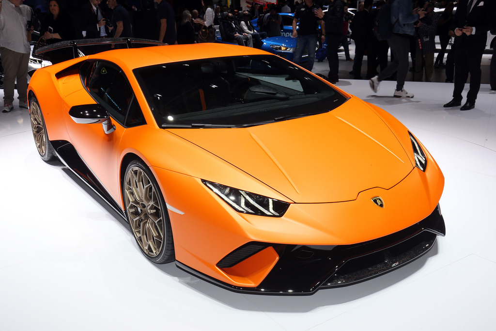 lamborghini to launch huracan performante in india on april 7. Black Bedroom Furniture Sets. Home Design Ideas