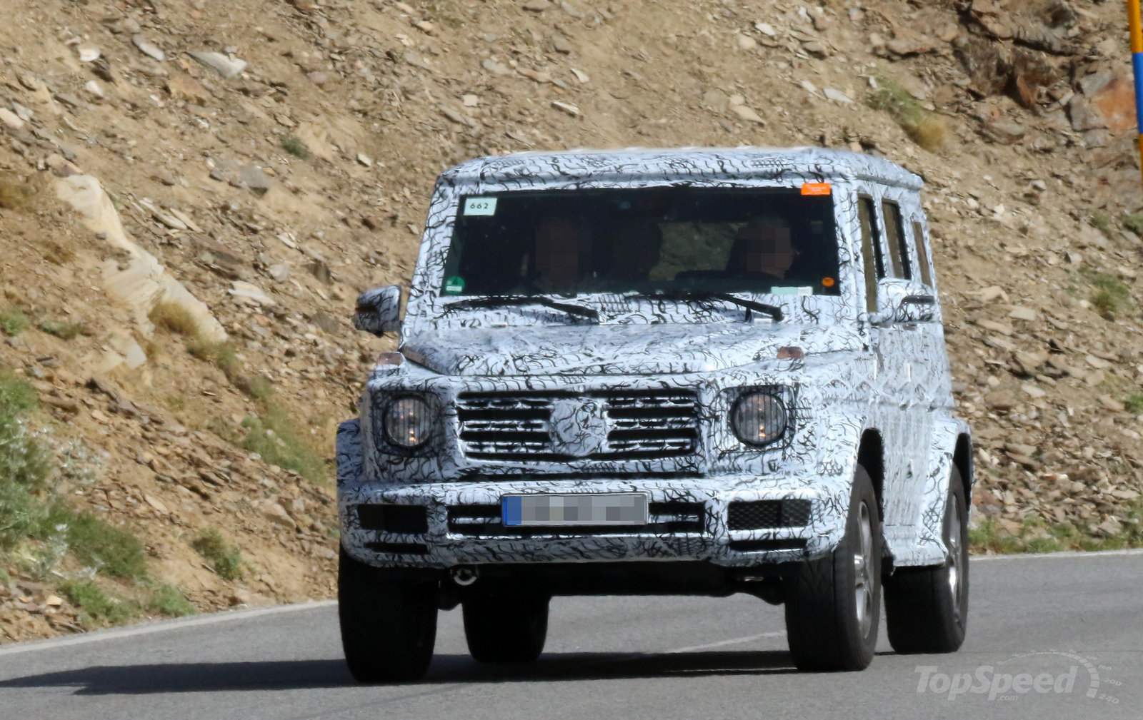next gen mercedes benz g class spied testing expected launch in 2018. Black Bedroom Furniture Sets. Home Design Ideas