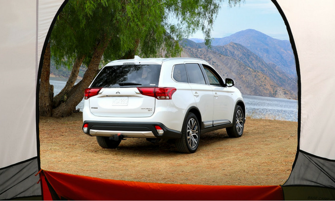 Mitsubishi-Outlander-Rear