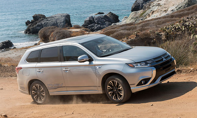 New-Mitsubishi-Outlander-Side-View