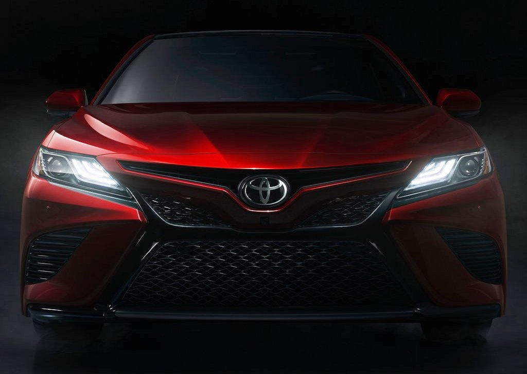 Next-gen 2018 Toyota Camry Front Profile with Headlamps ON at NAIAS 2017
