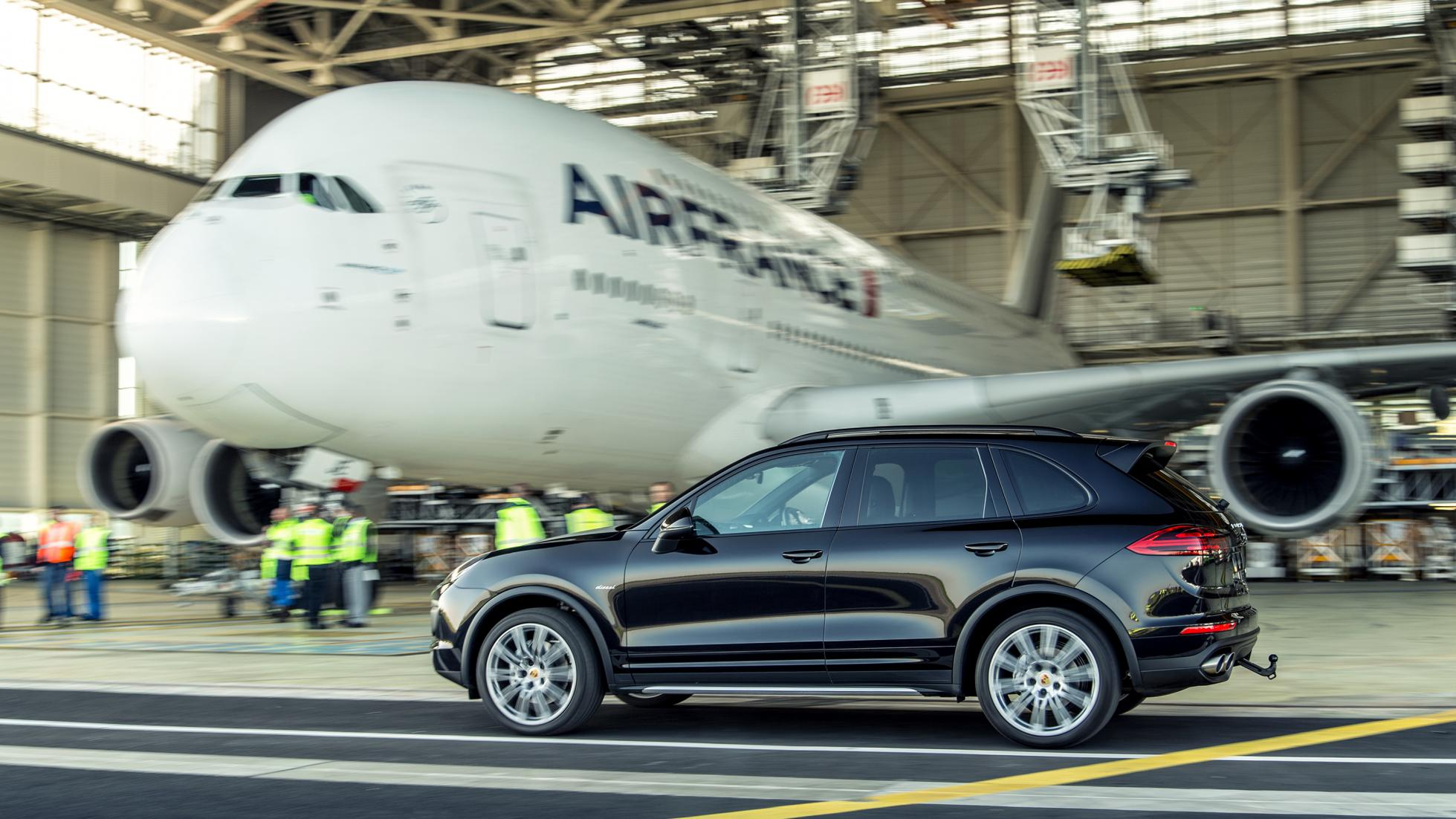 Porsche Cayenne S and the Heaviest Aircraft Airbus A380