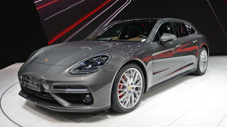 Porsche Panamera Sport Turismo Side Rear Showcased at Geneva Motor Show
