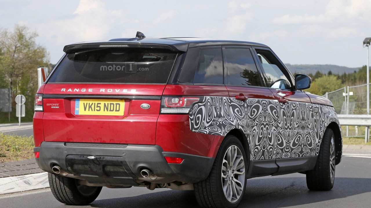 Land Rover Range Rover Sport at the rear end