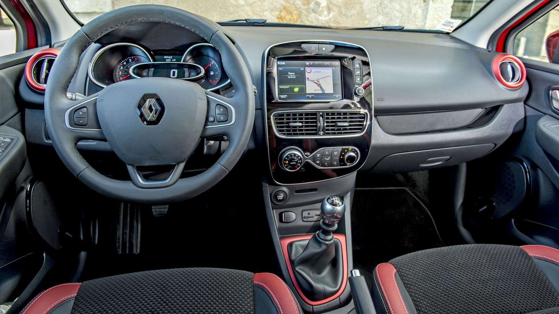 Renault clio gets mid cycle updates Interieur clio 4