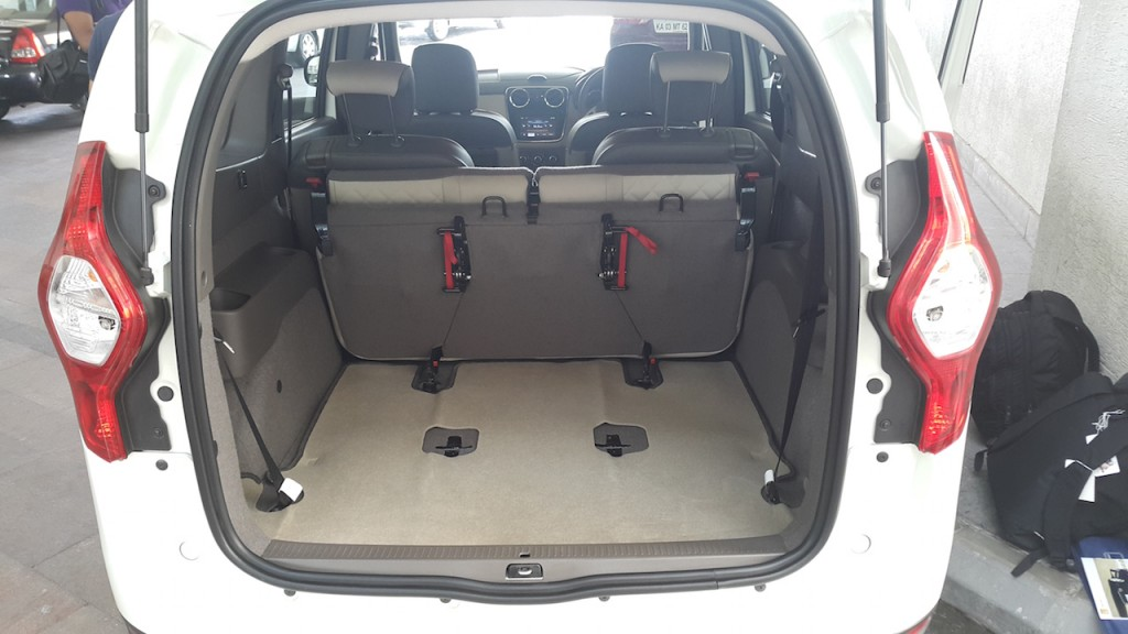 renault lodgy mpv launching tomorrow in india. Black Bedroom Furniture Sets. Home Design Ideas
