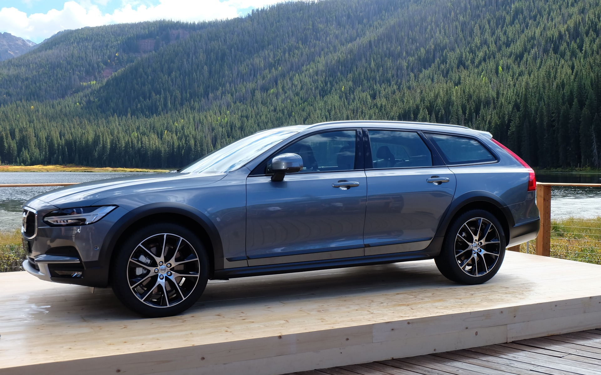 volvo v90 cross country india launch by mid 2017. Black Bedroom Furniture Sets. Home Design Ideas