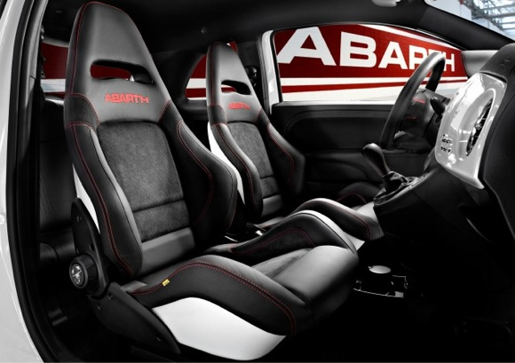 Fiat-Abarth-Punto-Interior