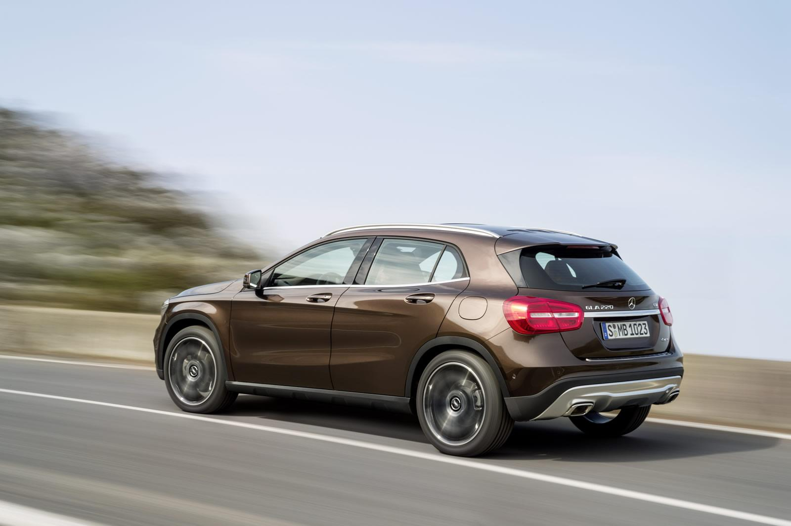 Mercedes benz gla crossover launching soon for Mercedes benz cross over