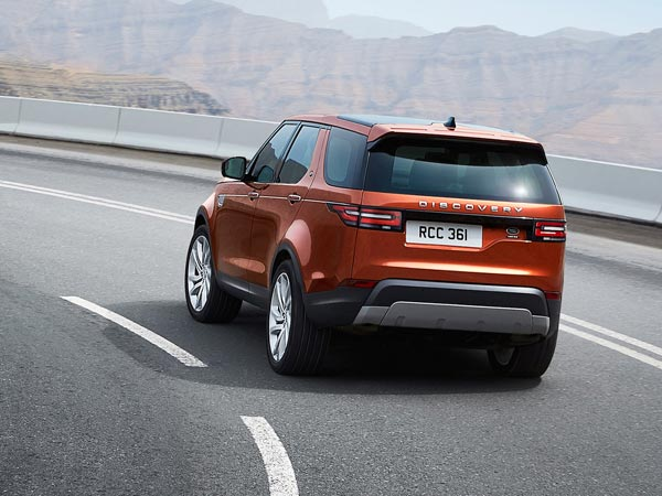 New Land Rover Discovery rear front