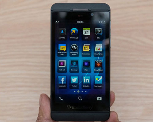 Blackberry z10 price in india and specifications