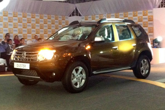 renault to launch updated duster. Black Bedroom Furniture Sets. Home Design Ideas