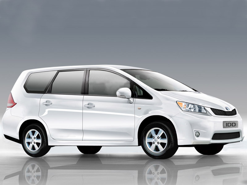 Toyota Innova 2.5 VX (Diesel) 7 Seater BS III Price India, Specs and
