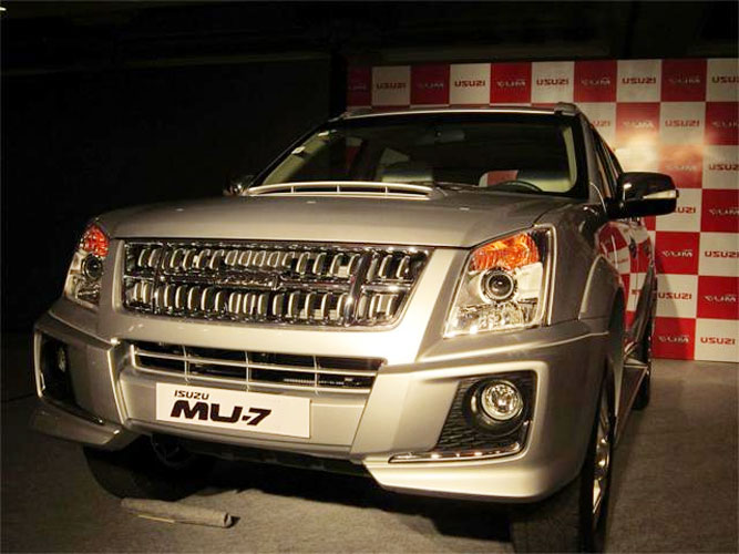 Isuzu Launches Mu 7 Suv In India At Kochi Sagmart