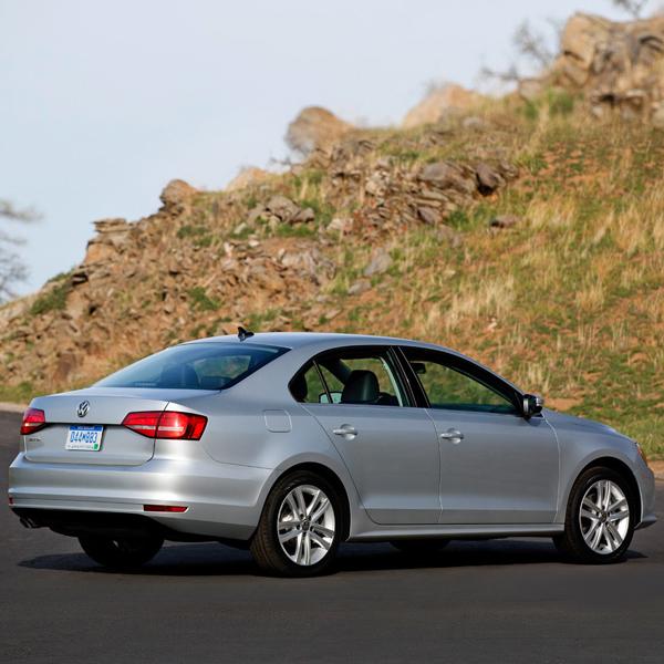 2015 Volkswagen Jetta facelift showcased at New York Auto Show