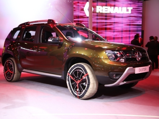 renault launches new duster facelift at inr lakhs. Black Bedroom Furniture Sets. Home Design Ideas